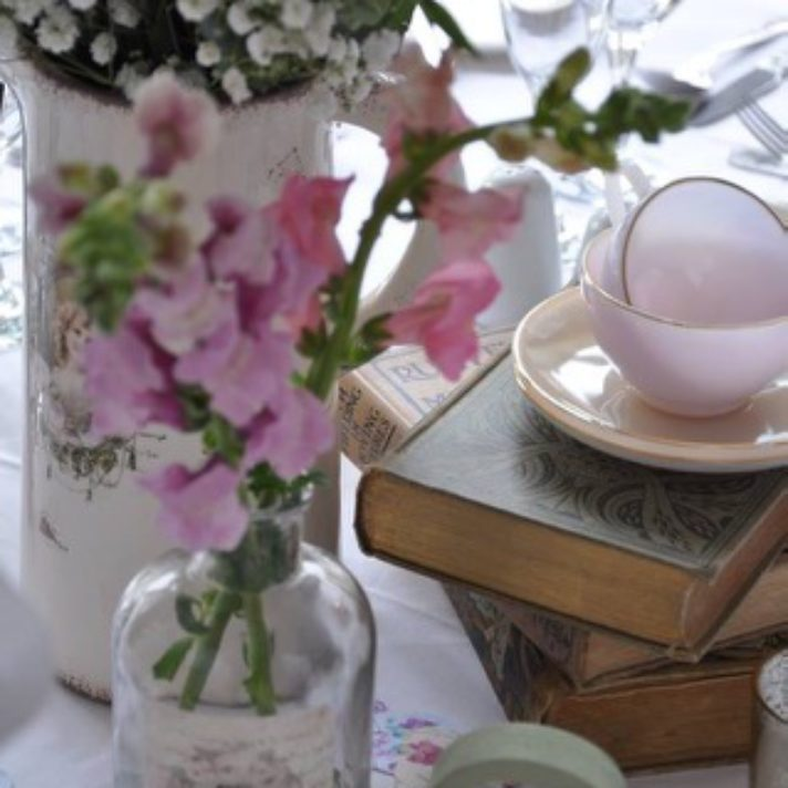 Timeless wedding table centres