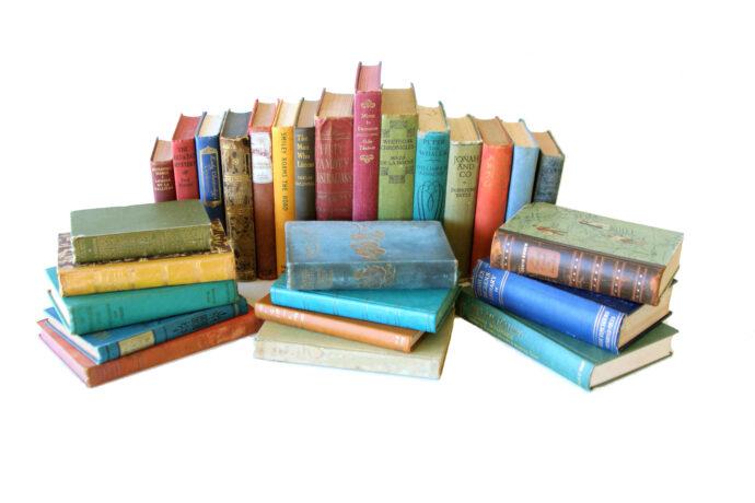 Mixed Vintage books per metre